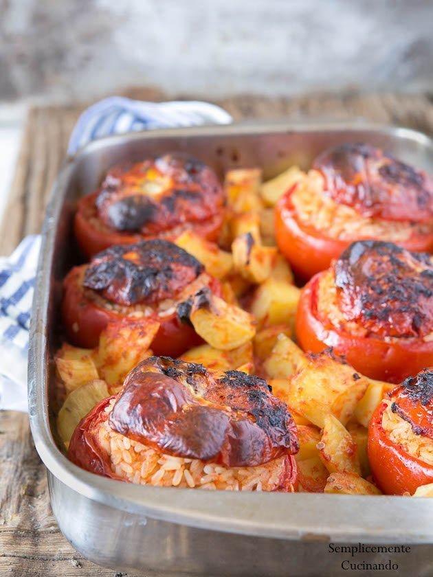 Pomodori con il riso alla romana