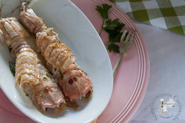 Cicale di mare o pannocchie gratinate - ricetta su Semplicemente Cucinando food blog