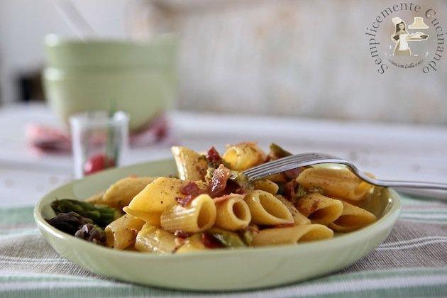 carbonara con gli asparagi la ricetta su Semplicemente Cucinando