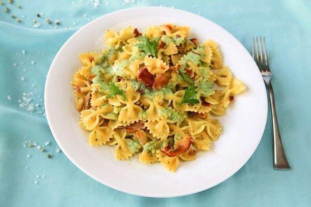 farfalle con speck e salsa delicata al prezzemolo - Ricetta di Semplicemente Cucinando