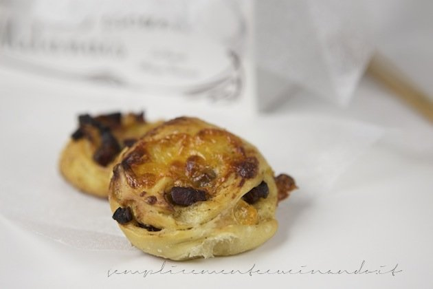 girelle speck e mozzarella - La ricetta su SemplicementeCucinando.it