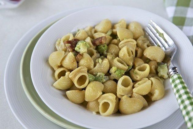 lumachine con broccolo, pecorino e pancetta affumicata