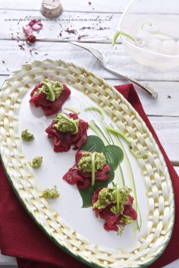 La ricetta del carpaccio di carne con salsa al sedano