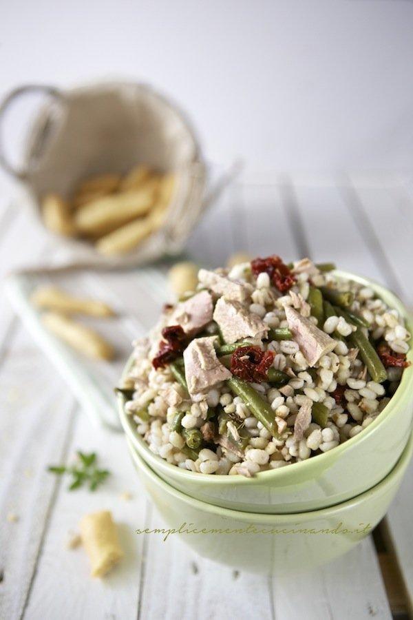 insalata di orzo fagiolini e tonno