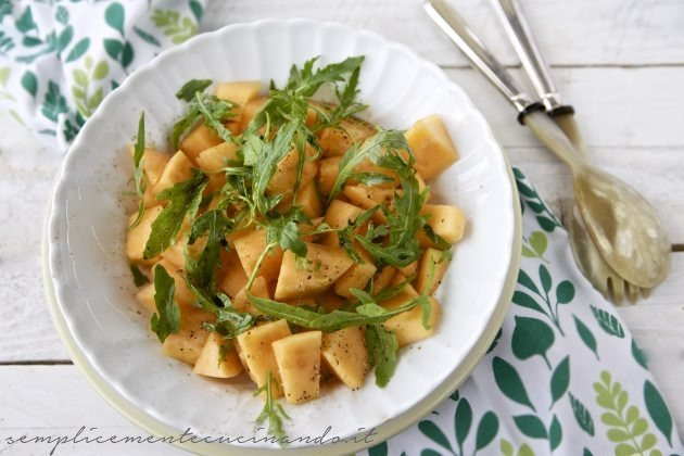 insalata melone e rughetta