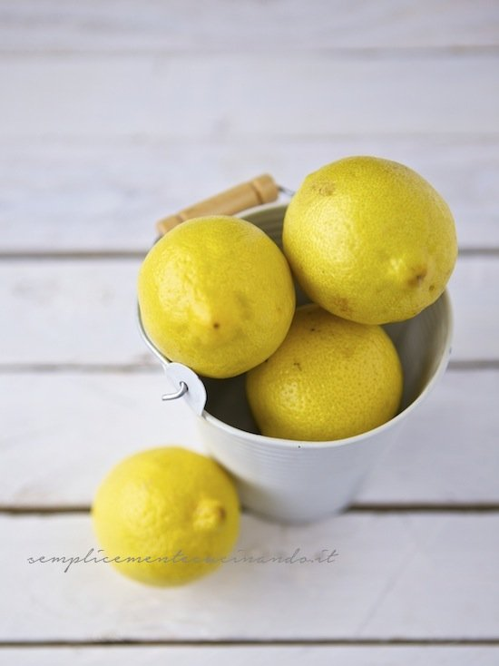 limoni per Conserve e confetture: le regole per farle a casa senza rischi