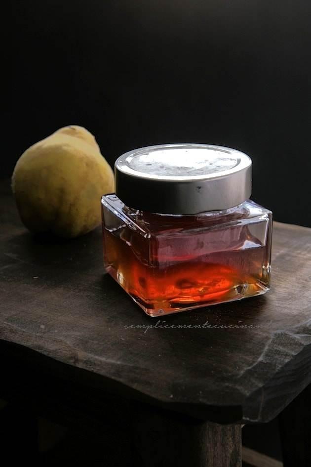 gelatina di mele cotogne