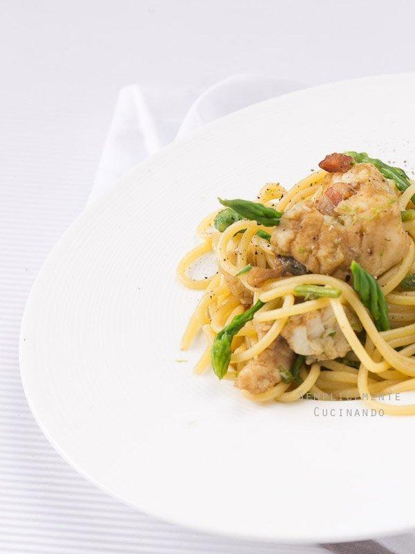 rana pescatrice pancetta e asparagi selvatici