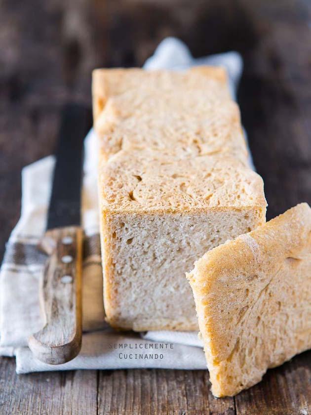 pane in cassetta bianco
