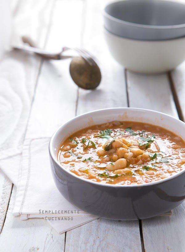 facile veloce e buona zuppa di fagioli e farro
