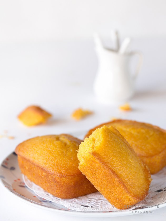 la ricetta dei mini plumcake di carote e mandorle