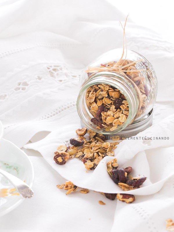 La ricetta per autoprodurre la granola