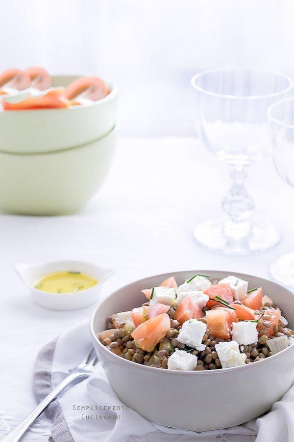 Una solidissima insalata di lenticchie e feta greca