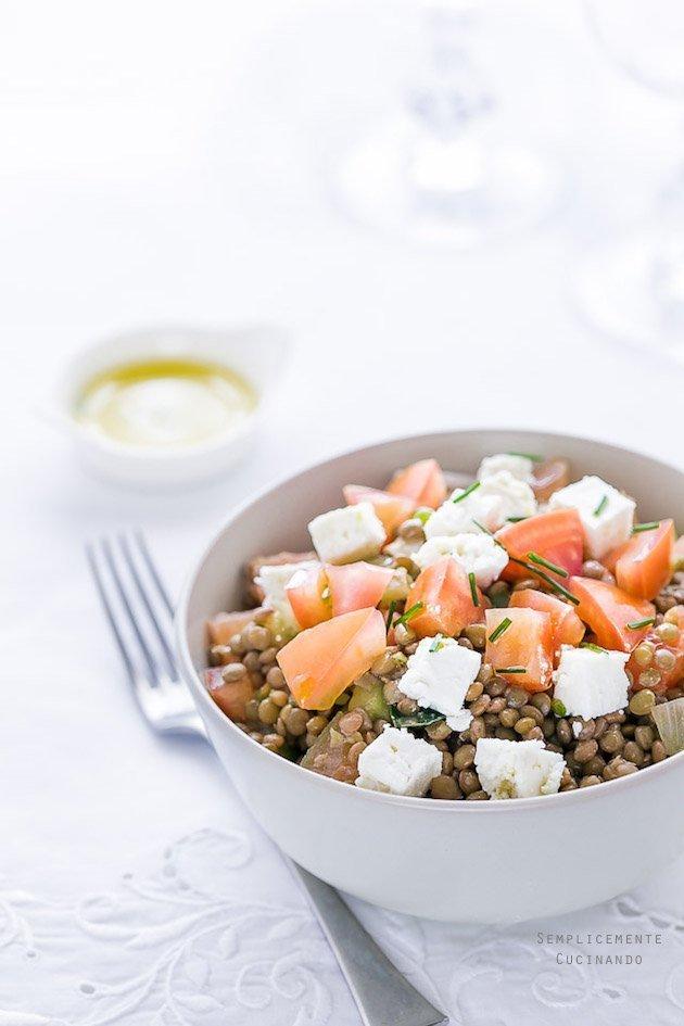 la ricetta di una golosissima insalata di lenticchie e feta greca