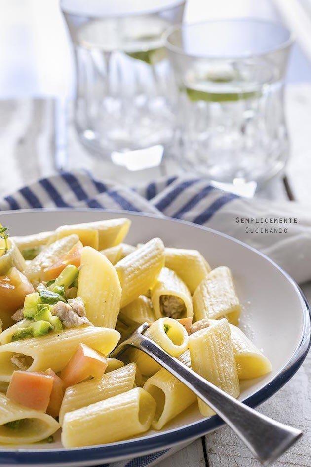 la ricetta delle penne tonno fresco e zucchine