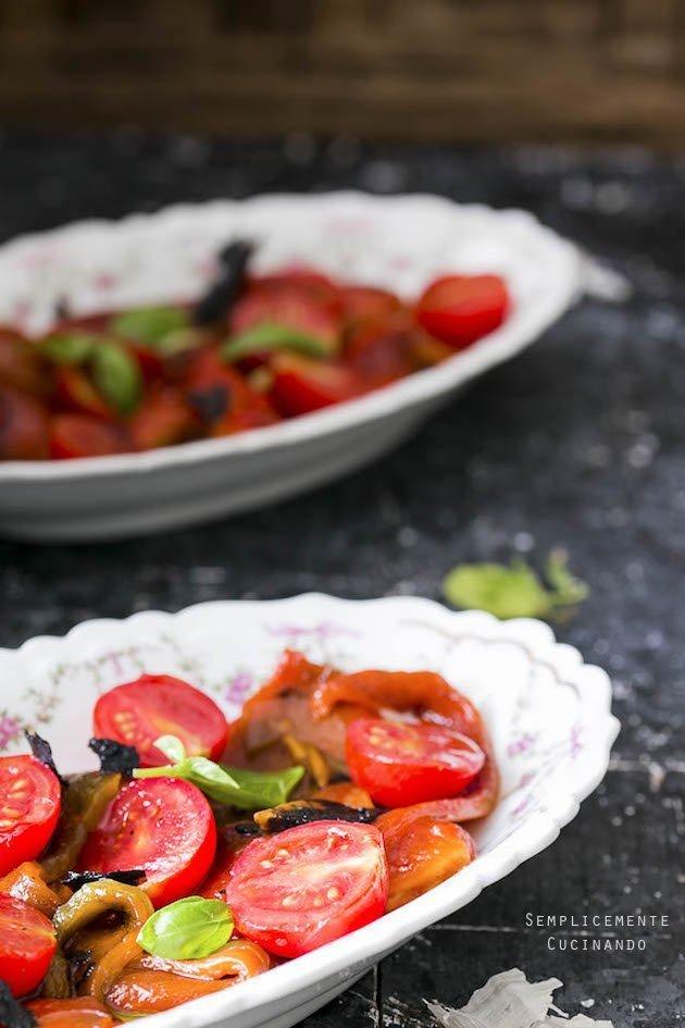 insalata di peperoni e pomodori