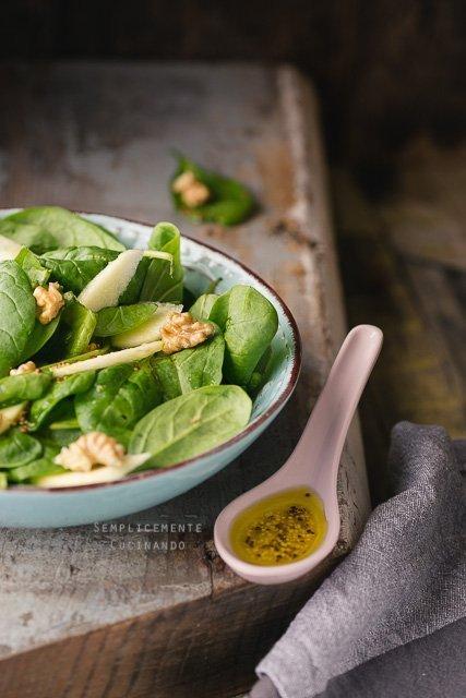 spinacio con salsa agli agrumi e senape