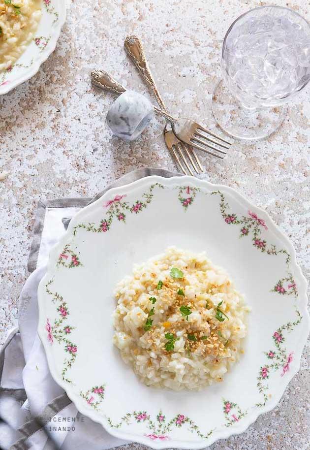 La ricetta per fare il risotto rapa bianca e nocciole tostate