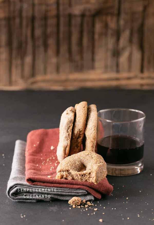la ricetta ciambelline al vino rosso da sgranocchiare sempre