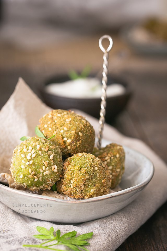 la ricetta dei falafel di fave