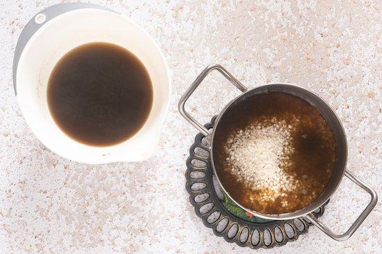 cottura del riso nel riso con formaggio e funghi porcini