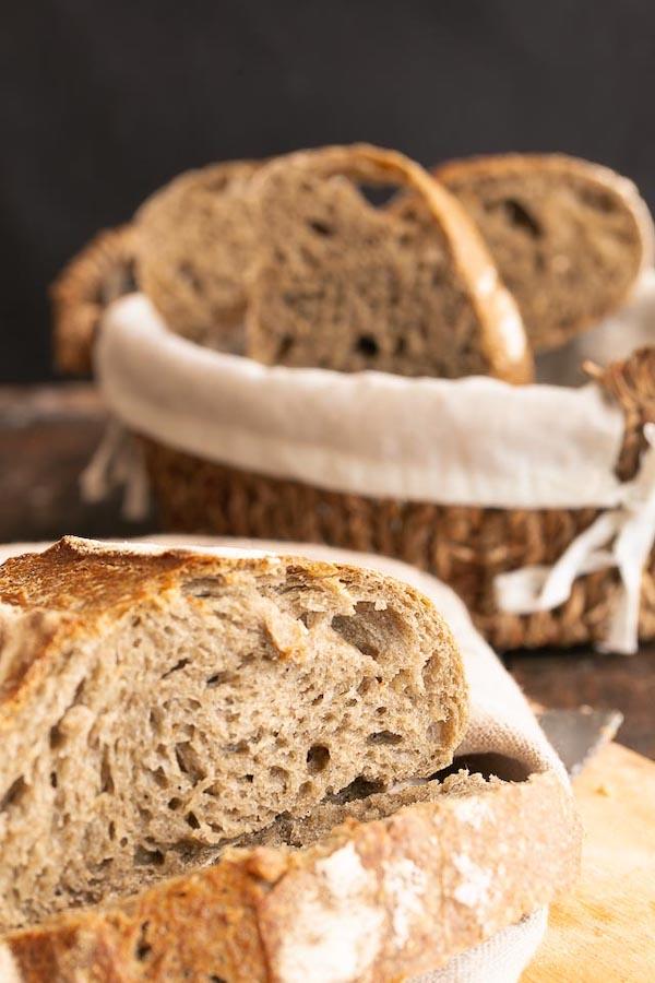 Pane con grano arso a lievitazione naturale