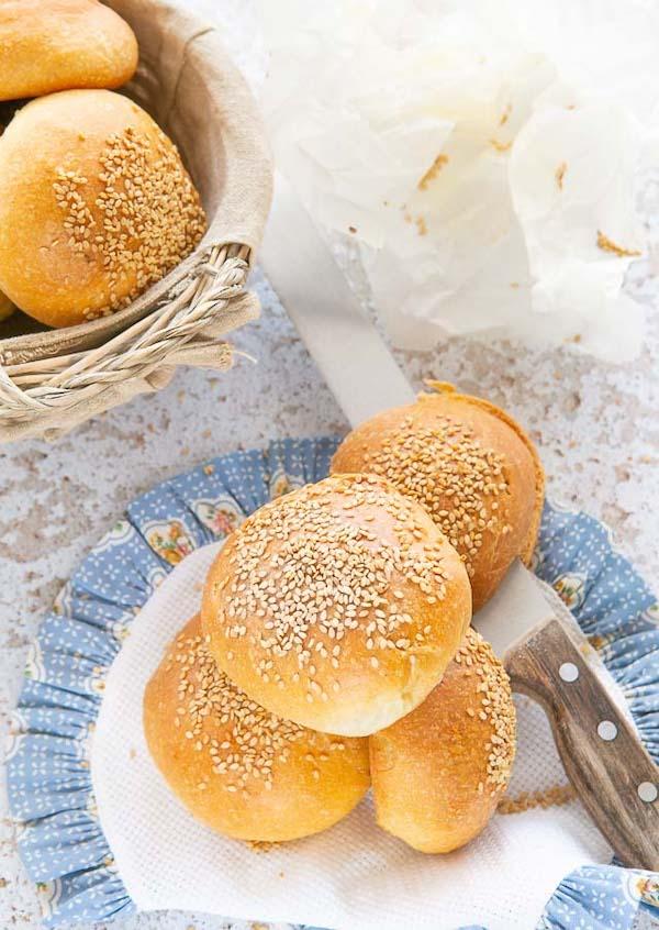 panini per hamburger o burger buns: la ricetta con pasta madre