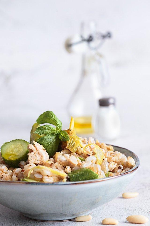insalata di farro: la ricetta estiva per eccellenza
